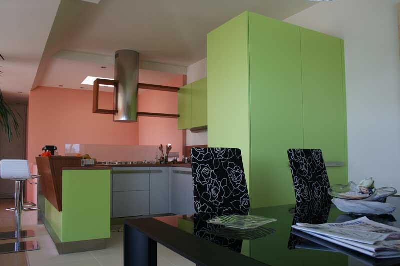 Cucina laccata verde 4