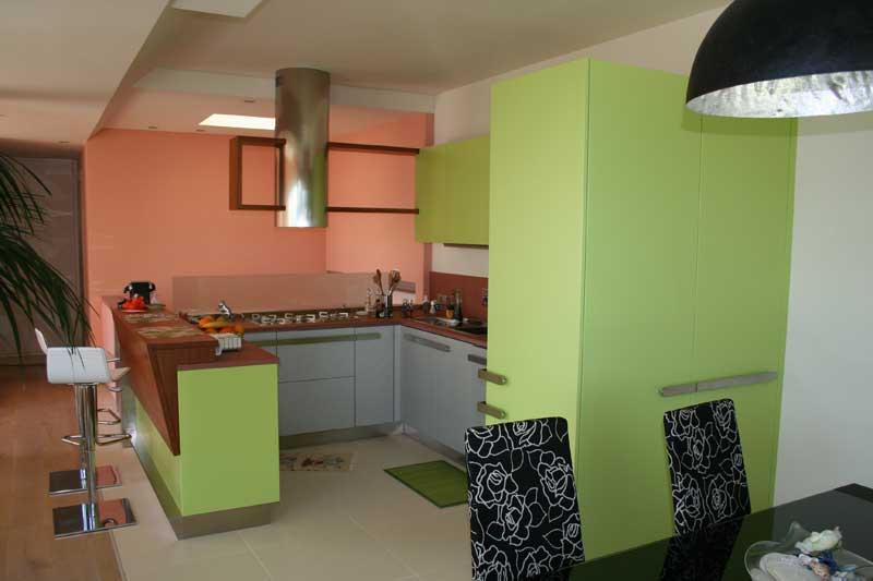 Cucina laccata verde 3