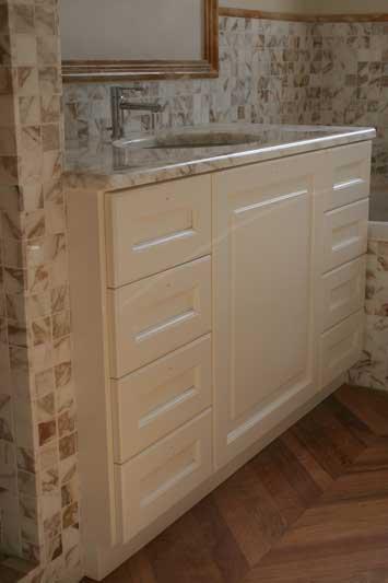 bagno su misura in marmo incassato 3