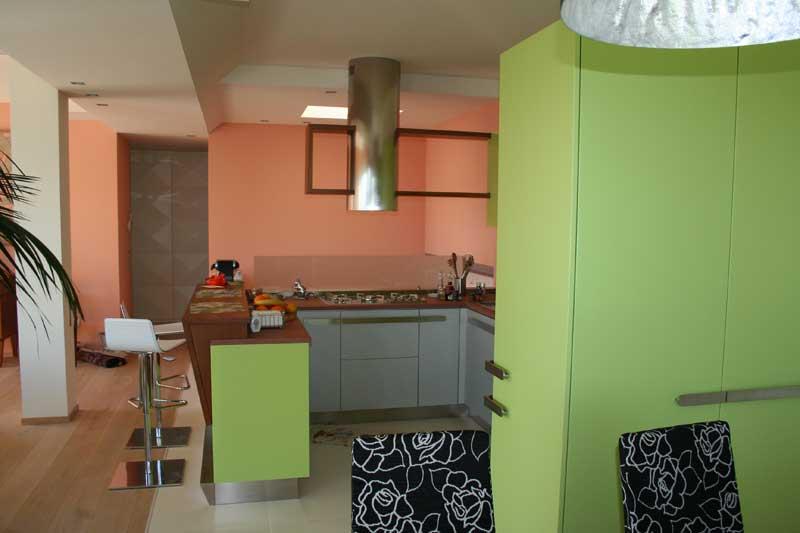 Cucina laccata verde 5