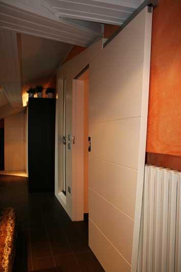 Boiserie con doppia porta