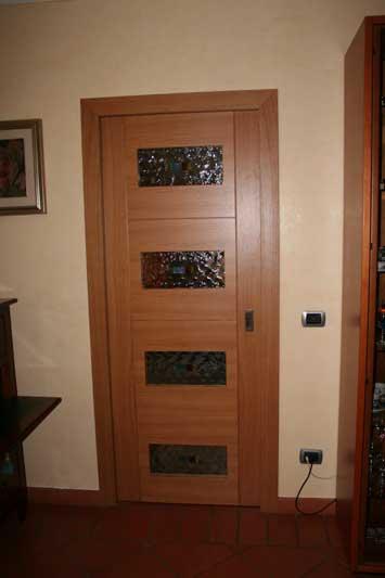 Porte in rovere con fughe e vetri decorati 4